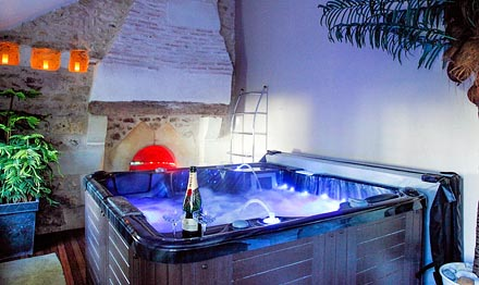 Chambres d 39 h tes avec jacuzzi en provence alpes c te d 39 azur - Spa jacuzzi belgique ...